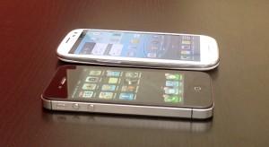 Videóteszt – Apple iPhone 4S Vs. Samsung Galaxy S III – Egymásnak eresztettük a két csúcsmobilt!