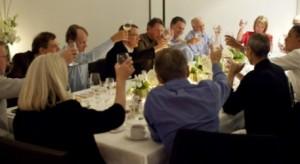 Egy asztalnál Obama, Steve és Zuckerberg
