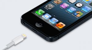 30 dolláros áron kínálja az Apple az átalakítót az iPhone 5 készülékhez