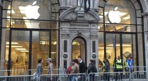 Késnek Angliában az előrendelt iPhone 5-ök