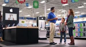 """Apple termékeké a főszerep a Best Buy """"Finding Santa"""" videójában"""