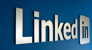 Az Apple LinkedIn integrációt tesztel az iOS7-ben