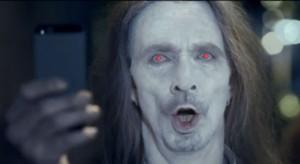 Az iPhone felhasználók zombik, legalábbis a Nokia szerint
