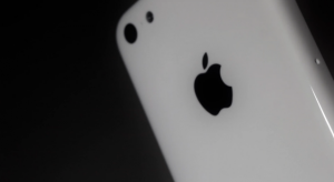 """Kiszivárgott az olcsó és színes iPhone """"Light"""" készülék borítása"""