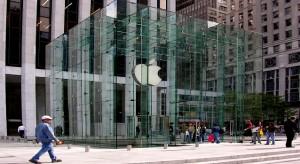Több millió dollárral támogatja a RED alapítványt az Apple