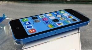 Kiszivárgott videón fedezhető fel a kék iPhone 5C?