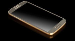 A Samsung sokkolta a piacot: Itt az aranyszínű Galaxy S4!