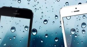 Mostantól a beázott iPhone-t is beszámítja az Apple