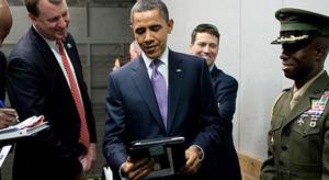 Lehallgatási botrány: Obama nem viheti magával az iPad-jét