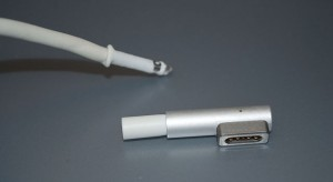 iDoki: MacBook MagSafe javítás? Megoldható!