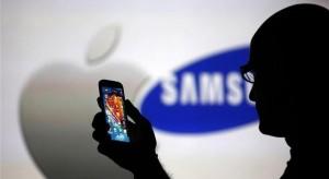 Tiltó végzést kér a Samsungra az Apple