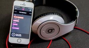 Virágzik a zene-streamingelés, miközben visszaesnek a digitális eladások