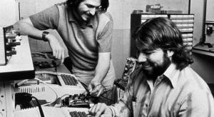 Mactörtént: Csak éjjel bűzölöghetett Steve az Atarinál