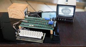 Mactörtént: Kalapács alatt egy elsőszériás Apple 1