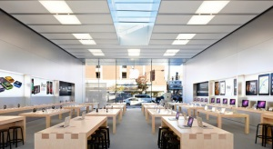 Ive és Ahrendts közösen dolgoznak az Apple boltok új dizájnján