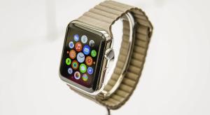 Apple Watch-ok millióit rendelte meg Cupertino a rajtra