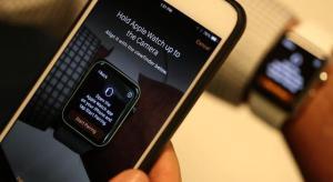 Egyesek szerint nő, mások szerint csökken az iPhone akkuideje a Watchtól