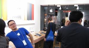 Kamu iPhone-okat gyártó üzemet talált a rendőrség Kínában