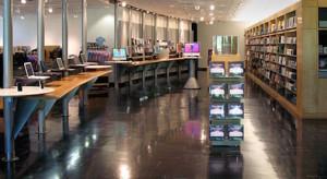 Újra megnyitja kapuit az Infinite Loop-ban található Apple Store