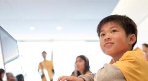 Idén sem hagyja unatkozni a gyerekeket az Apple