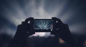 Szabadalom alapján az Apple blokkolná a koncerteken való felvételek készítését
