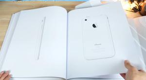 Videón az Apple első könyve