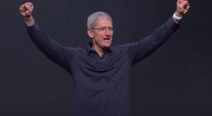 Tim szerint soha nem látott módon pörög az Apple Watch biznisz