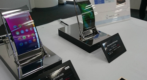 OLED helyett flexibilis LCD paneleket kaphatnak a jövőbeli iPhone-ok
