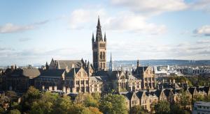 Díszdoktori címet kap Tim a Glasgow-i Egyetemtől
