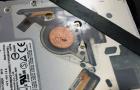 Miért vannak érmék elrejtve az Apple MacBook-jaiban?