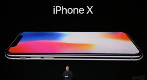 One more thing… A jövő okostelefonja, az iPhone X!