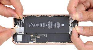 Ezúttal az iPhone 8-ra csapott le az iFixit csapata
