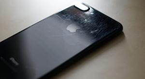 Így néz ki egy év használat után a kozmoszfekete iPhone 7