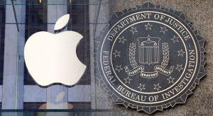 Az FBI továbbra sem tud mit kezdeni a jelkóddal levédetett iPhone-okkal