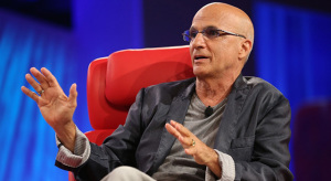 Az Apple leváltotta Jimmy Iovine-t
