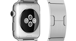 Az Apple Watch pulzusmérője miatt perlik az Apple-t