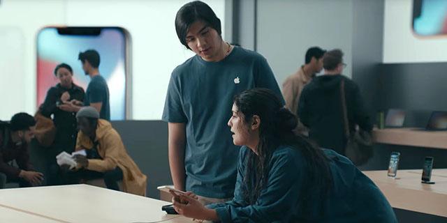 Ismételten az iPhone felhasználók vérét szívja legújabb reklámjában a Samsung