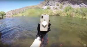 Vajon működőképes-e az iPhone X, mely két hétig sodródott egy folyóban?