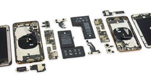 Érdekes változásokat talált az iFixit csapata az iPhone Xs szétszerelésekor