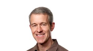 Az Apple egyik vezetője, Jeff Williams szerint is magasak az iPhone-árszabások