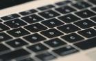A 2018 és 2019-es MacBook modellek is jogosultak az Apple billentyűzetszervizelési programjára