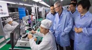 Az Apple sem fejleszt addig, míg a partnereik nem biztosítják a megfelelő munkakörülményeket
