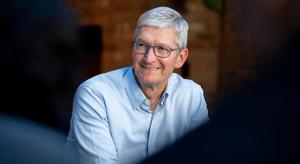Legalább még újabb öt évig Tim Cook marad az Apple CEO-ja