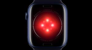 Tim Cook szerint annyi szenzor lesz az Apple Watch-ban, mint egy autóban