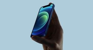 Nem igazán lehet elégedett az iPhone 12 Mini eladásaival az Apple